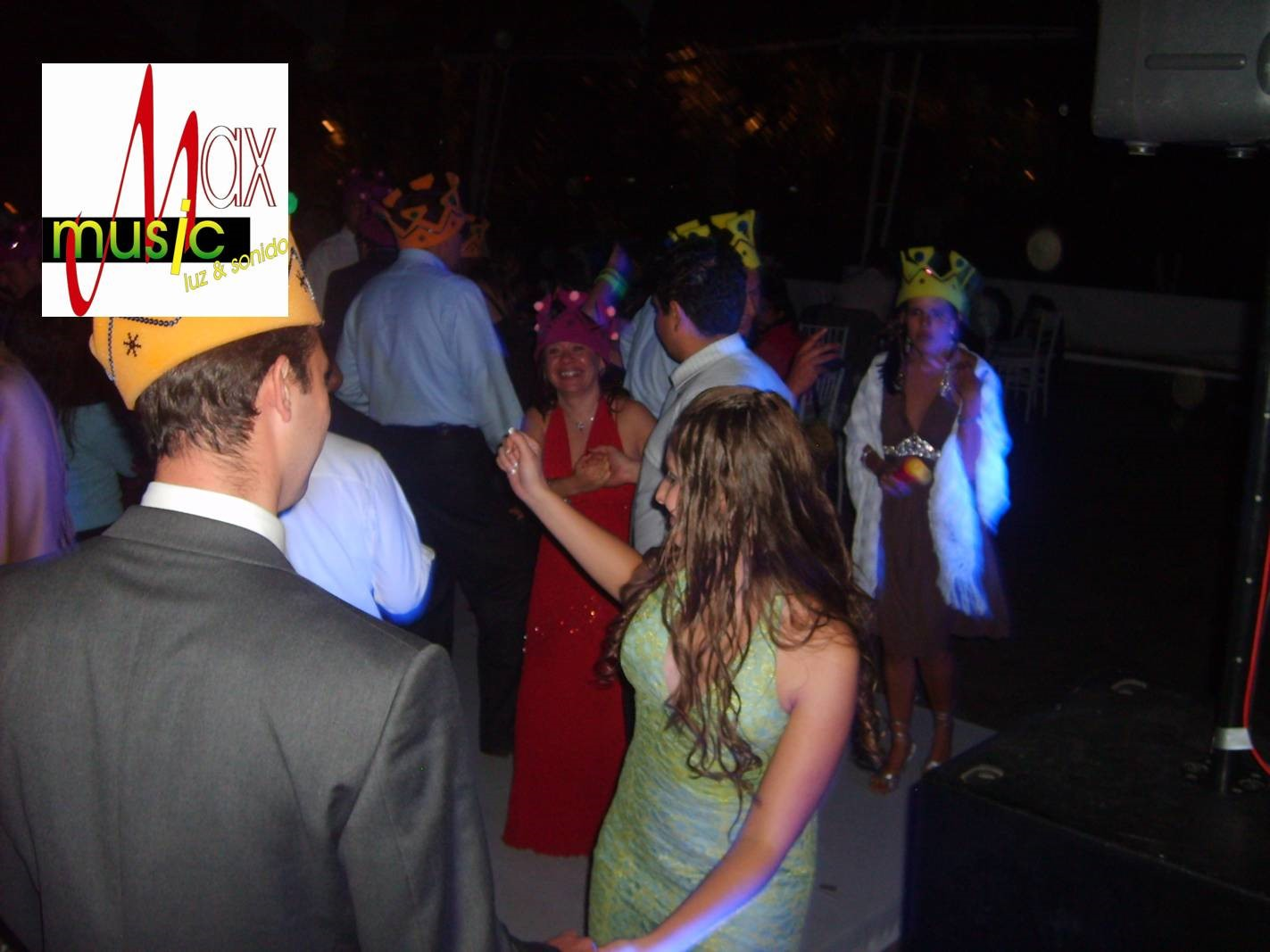 DJ, luz y sonido, Karaoke para eventos sociales