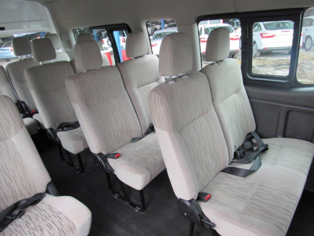 nissan urban 15 pasajeros 2016